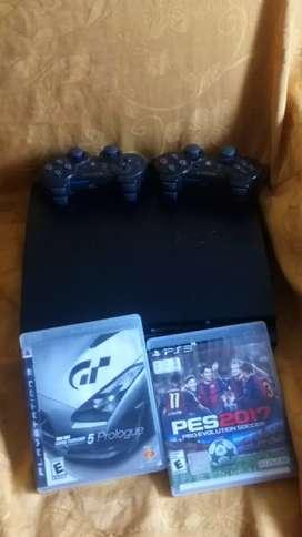 Se vende PS3, dos mandos y dos juegos