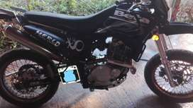 VENDO BETA MOTARD  250