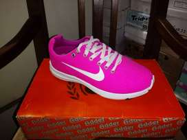 Nike Fucsia de dama