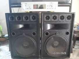 Equipo de sonido amplificador Spain de 1500 watts y 2 columnas de 15 pulgadas
