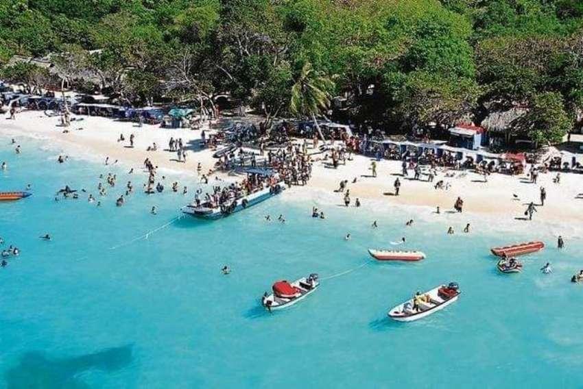Playa Blanca Baru - Islas del Rosario - Cartagena de indias 0