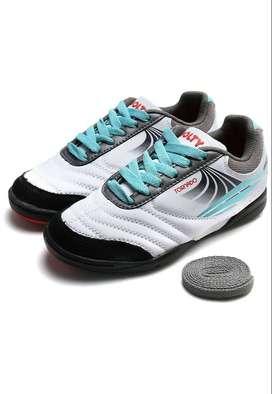 Zapatilla Golty torretin Blanco-Negro.Original. Producto Nuevo. Fútbol. Sintética.