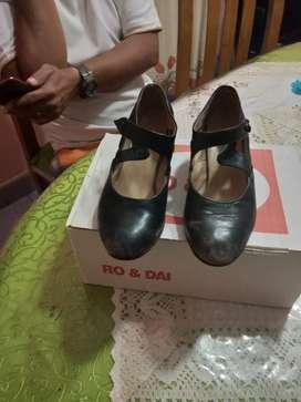 Zapatos de folclore