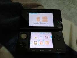 NINTENDO 3DS + 4 Juegos orignales