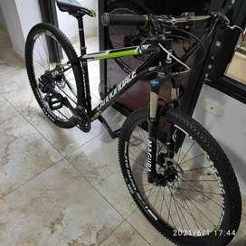 Bicicleta Mtb talla M grupo deore.