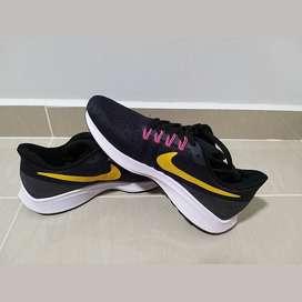 Vendo tennis Nike
