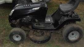 vendo o permuto tractor de cortar cesped