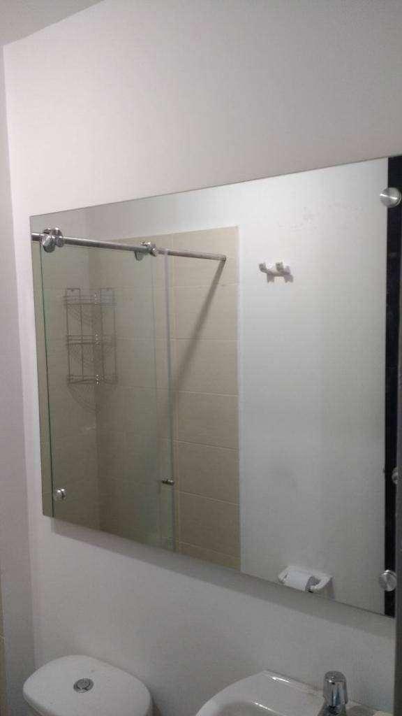 Espejo flotante pulido brillado