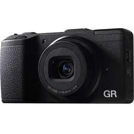 Vendo cámara digital Ricoh Gr como nueva