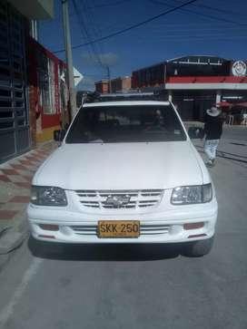 Vendo camioneta luv 4x4mod2001