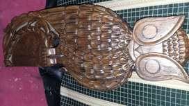 Buho en madera tallado de 48cm de alto x 22cm de ancho