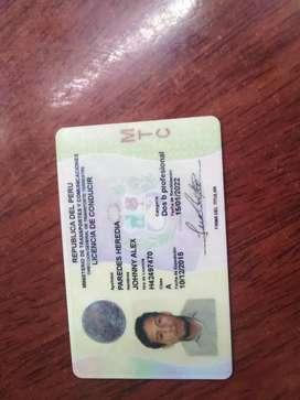 Busco trabajo como conductor   en servicio  de transporte publico y  con conocimiento de ruta en carretera y  Arequipa