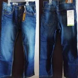 Jeans OFFCORSS talla 8 nuevos a mitad de precio