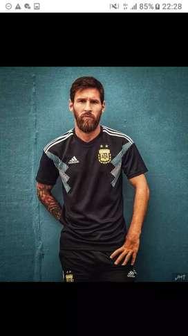 Camiseta Argentina negra talle M