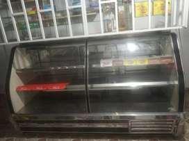 Nevera refrigerador para lácteos, quesos y embutidos.