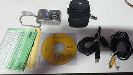 Liquido camara Nikon coolpix megapíxeles, impecable, incluye funda, cables usb conexión,manual, tarjeta memoria y pilas