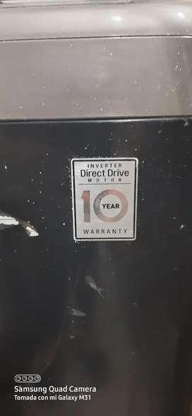 Lavadora  LG de 14kg  es Inverter Direct Drive Usada