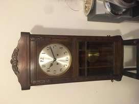 Usado, Reloj con pendulo Kienzle segunda mano  Mar del Plata, Buenos Aires