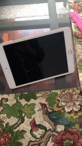 Mini Ipad 4 dorada 16 GB