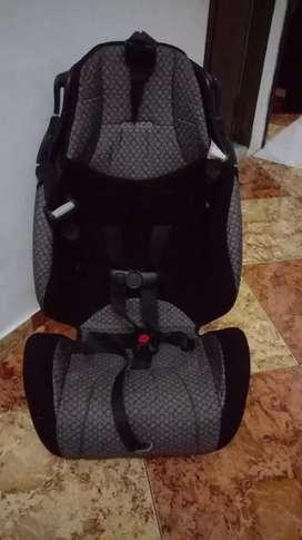 Se vende silla para carro 100000 Negociables