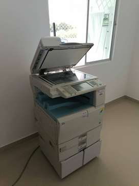 impresora laser ricoh blanco y negro a color mp 2551
