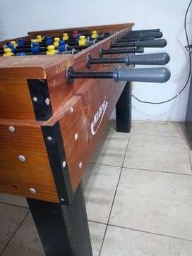 Metegol de mesa Kllof madera maciza y lustrada