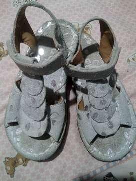 Sandalias gamuzadas
