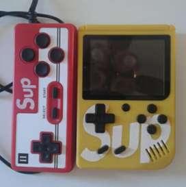 Consola retro tipo gameboy con juegos de la nes