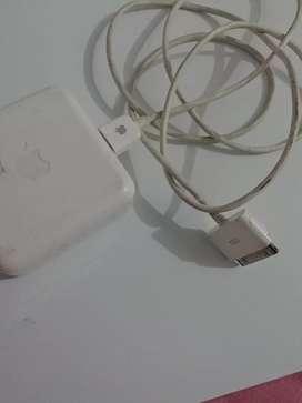 cargador adaptador genuino Apple ipod. MODEL. A1070 ORIGINAL