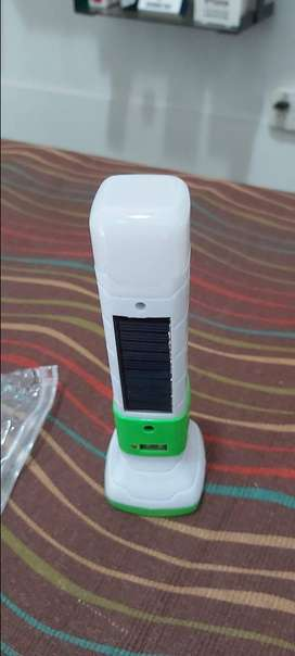 Basta de pilas Linterna sin pila carga usb y Solar led potente y clara