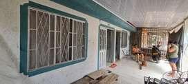 Se vende casa  con sus repectivos apartamentos y servicios barrio las palmas 170 millones negociables
