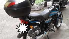 Se vende moto Honda eco delux