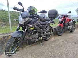 Vendo hermosa moto honda 160 Doble freno disco papeles hasta el mes 26 del mes 10 2021