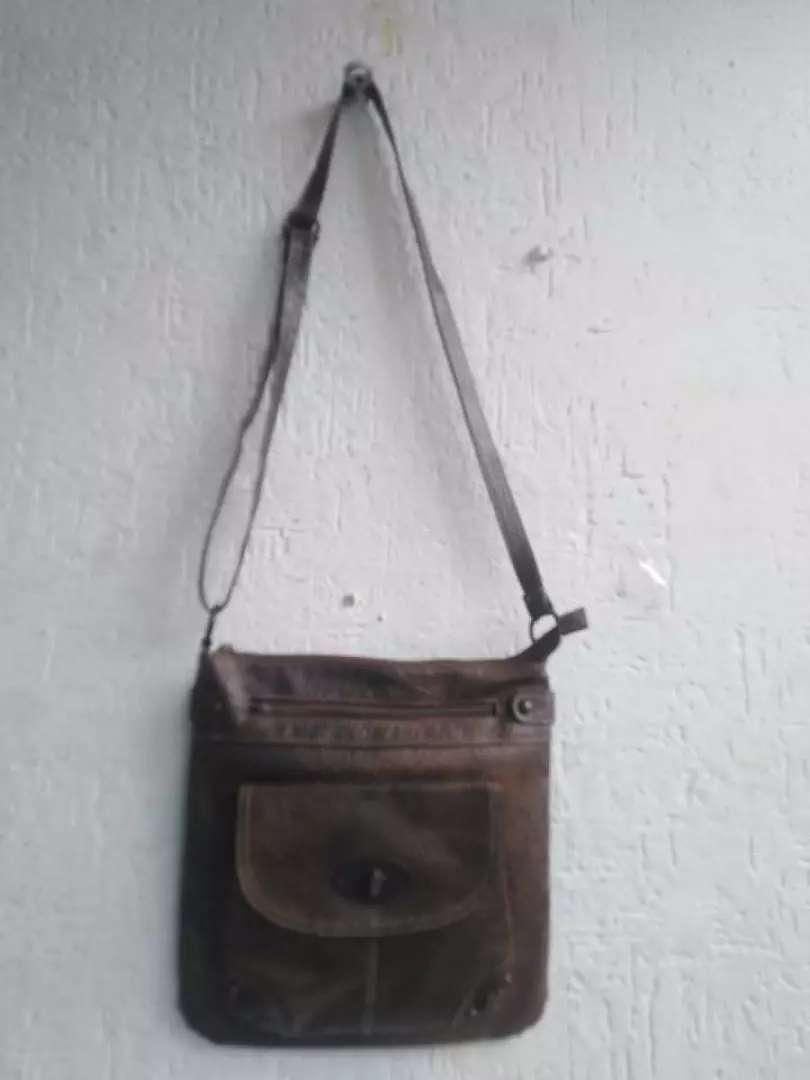 Vendo bolso cuero bandolera