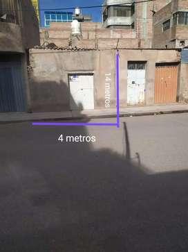 Casa en venta ubicado en jr. Progreso con jr. Pizarro a una cuadra del mercado cerro colorado .