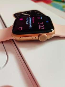 Apple watch series 5 40mm, poco uso, caja y cargador, precio fijoooo
