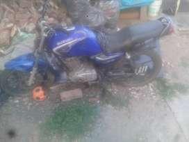 Vendo moto em suzuki o permuto veo todo y escucho ofertas