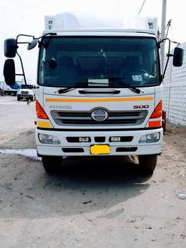 Camión furgón isotérmico marca HINO, modelo GH, año 2012.