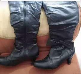 Hermosas botas de cuero studio f