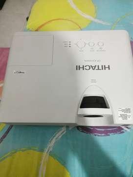 Vendo proyector HITACHI CP-X3030WN