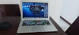 """Macbook 13"""" Memoria 8gb Disco 128 gb"""