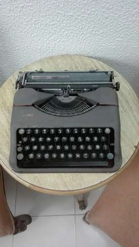 Máquina de escribir   año 1930