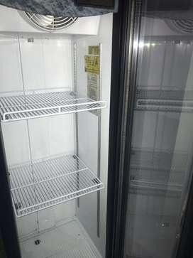 Nevera Exhibidora Y Refrigerador