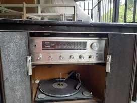 Vendo toca discos y radio