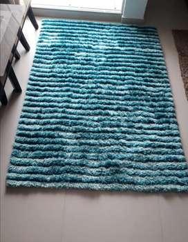 Hermosa alfombra en perfecto estado