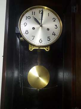 Vendo reloj de pared antiguos junghans dos cuerdas con péndulo alemán