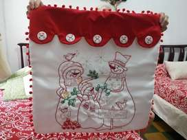 Cojines navideños nuevos son 2