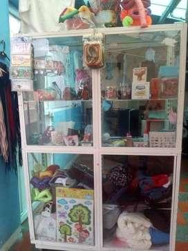 se venden vitrinas para tu negocio