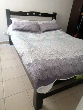 Vendo cama doble sin tablado