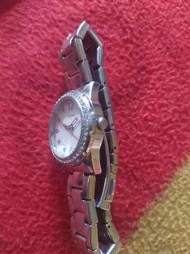 Reloj  GUESS original de oportunidad el regalo perfecto para tu novia
